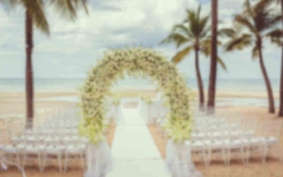 10 Ways to Keep Your Wedding Flower Budget Under Control