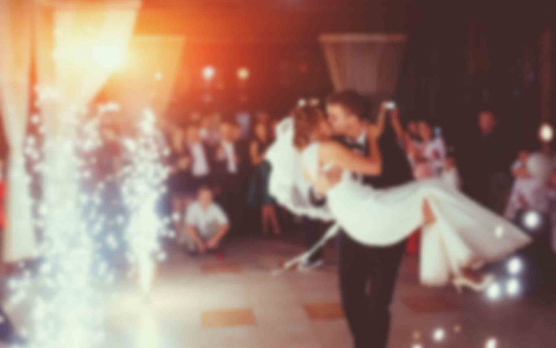 Style Up your Wedding with Pantone 'Greenery'